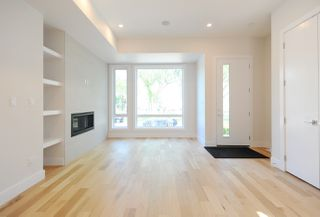 Photo 5: 10932 129 Street in Edmonton: Zone 07 House for sale : MLS®# E4172743