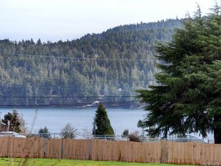 Photo 1: 203 6585 Country Rd in Sooke: Sk Sooke Vill Core Condo Apartment for sale : MLS®# 841018
