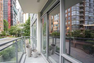 "Photo 14: 301 1455 HOWE Street in Vancouver: Yaletown Condo for sale in ""Pomaria"" (Vancouver West)  : MLS®# R2482632"