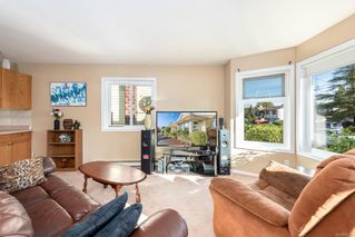 Photo 3: A 2395 Grant Ave in : CV Courtenay City Half Duplex for sale (Comox Valley)  : MLS®# 856921