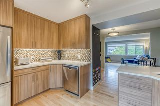 Photo 8: 836A 68 Avenue SW in Calgary: Kingsland Row/Townhouse for sale : MLS®# A1042636
