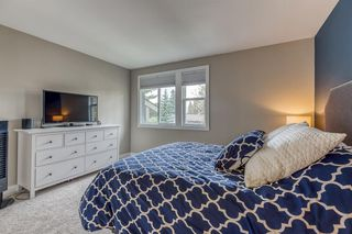 Photo 16: 836A 68 Avenue SW in Calgary: Kingsland Row/Townhouse for sale : MLS®# A1042636