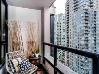 "Photo 22: 1810 909 MAINLAND Street in Vancouver: Yaletown Condo for sale in ""YALETOWN PARK II"" (Vancouver West)  : MLS®# R2518845"