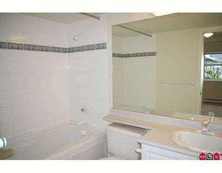 "Photo 5: 201 8976 208TH Street in Langley: Walnut Grove Condo for sale in ""OAKRIDGE"" : MLS®# F2710862"