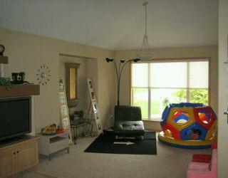 Photo 3: 112 MONTGOMERY Avenue in SELKIRK: City of Selkirk Single Family Detached for sale (Winnipeg area)  : MLS®# 2617389