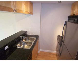 "Photo 2: 1602 928 RICHARDS Street in Vancouver: Downtown VW Condo for sale in ""THE SAVOY"" (Vancouver West)  : MLS®# V705227"