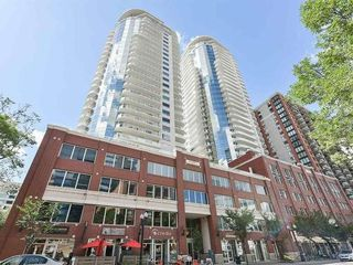 Photo 1: 2001 10136 104 Street in Edmonton: Zone 12 Condo for sale : MLS®# E4176214