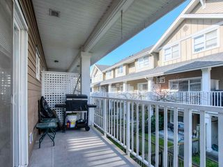 "Photo 2: 34 935 EWEN Avenue in New Westminster: Queensborough Townhouse for sale in ""COOPERS LANDING"" : MLS®# R2443218"