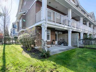 "Photo 4: 34 935 EWEN Avenue in New Westminster: Queensborough Townhouse for sale in ""COOPERS LANDING"" : MLS®# R2443218"