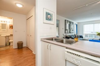 Photo 7: 304 335 CARNARVON STREET in New Westminster: Downtown NW Condo for sale : MLS®# R2448151