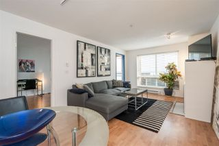 Photo 3: 304 335 CARNARVON STREET in New Westminster: Downtown NW Condo for sale : MLS®# R2448151
