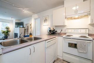 Photo 6: 304 335 CARNARVON STREET in New Westminster: Downtown NW Condo for sale : MLS®# R2448151