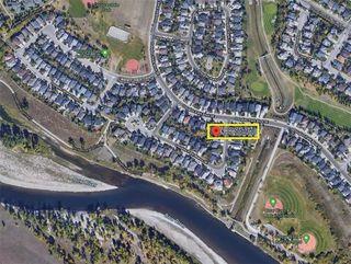 Photo 2: 84 DOUGLAS PARK Manor SE in Calgary: Douglasdale/Glen Detached for sale : MLS®# A1028601
