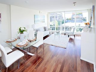 """Main Photo: 403 1690 W 8TH Avenue in Vancouver: Fairview VW Condo for sale in """"Musee"""" (Vancouver West)  : MLS®# R2514142"""