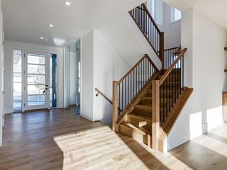 Photo 2: 3403 Underhill Drive NW in Calgary: University Heights Detached for sale : MLS®# A1053359