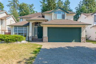 Photo 1: 8004 MELBURN Drive in Mission: Mission BC House for sale : MLS®# R2524317