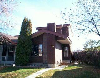 Photo 1: 19 GIMLI Place in Winnipeg: Maples / Tyndall Park Single Family Detached for sale (North West Winnipeg)  : MLS®# 2617978