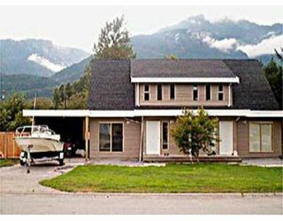 Photo 1: 41309 MEADOW AV: Brackendale House 1/2 Duplex for sale (Squamish)  : MLS®# V501696