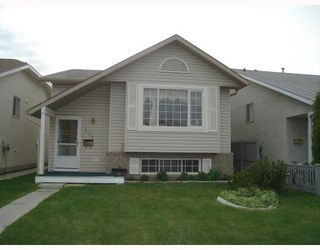 Photo 1: 131 APPLEFIELD Close SE in CALGARY: Applewood Residential Detached Single Family for sale (Calgary)  : MLS®# C3328692
