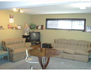 Photo 8: 131 APPLEFIELD Close SE in CALGARY: Applewood Residential Detached Single Family for sale (Calgary)  : MLS®# C3328692