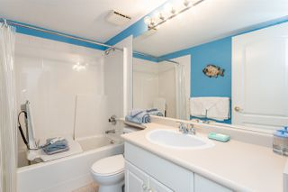 """Photo 11: 202 17740 58A Avenue in Surrey: Cloverdale BC Condo for sale in """"Derby Downs"""" (Cloverdale)  : MLS®# R2395191"""