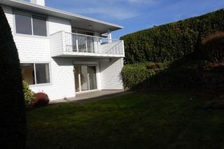 """Photo 5: 9 33922 KING Road in Abbotsford: Poplar Townhouse for sale in """"Kings View Estates"""" : MLS®# R2403682"""