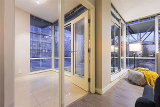 """Photo 3: 305 633 KINGHORNE Mews in Vancouver: Yaletown Condo for sale in """"ICON II"""" (Vancouver West)  : MLS®# R2419482"""