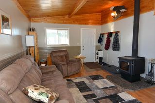 "Photo 13: 7255 WOODMERE Road in Smithers: Smithers - Rural Manufactured Home for sale in ""WOODMERE"" (Smithers And Area (Zone 54))  : MLS®# R2438178"