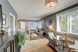 Photo 5: 933 PARKER Street: White Rock House for sale (South Surrey White Rock)  : MLS®# R2458398
