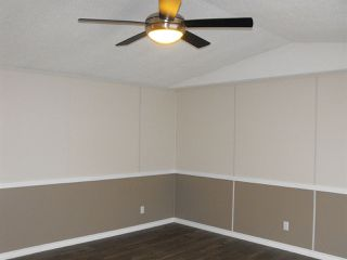 Photo 12: 5101 56 Street: Elk Point Manufactured Home for sale : MLS®# E4201634
