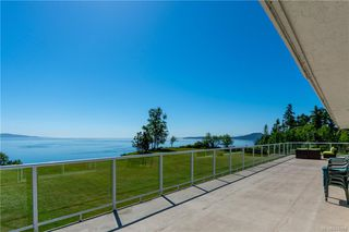 Photo 38: 3285 Livesay Rd in Central Saanich: CS Martindale House for sale : MLS®# 841868