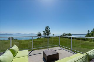Photo 36: 3285 Livesay Rd in Central Saanich: CS Martindale House for sale : MLS®# 841868