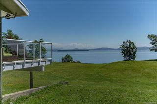 Photo 48: 3285 Livesay Rd in Central Saanich: CS Martindale House for sale : MLS®# 841868