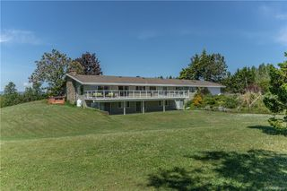 Photo 13: 3285 Livesay Rd in Central Saanich: CS Martindale House for sale : MLS®# 841868