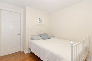Photo 17: 326 E 18TH AVENUE in Vancouver: Main House for sale (Vancouver East)  : MLS®# R2479680