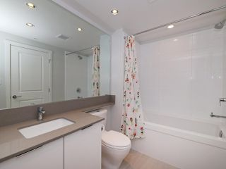 """Photo 14: 3008 6638 DUNBLANE Avenue in Burnaby: Metrotown Condo for sale in """"Midori by Polygon"""" (Burnaby South)  : MLS®# R2496874"""