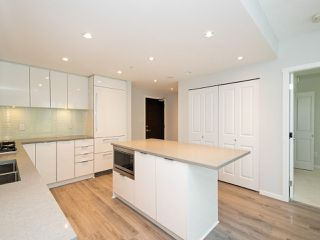 """Photo 5: 3008 6638 DUNBLANE Avenue in Burnaby: Metrotown Condo for sale in """"Midori by Polygon"""" (Burnaby South)  : MLS®# R2496874"""