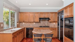 Photo 4: LA JOLLA House for sale : 3 bedrooms : 8112 Gilman Ct