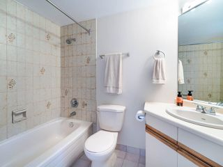 """Photo 14: 105 1922 W 7TH Avenue in Vancouver: Kitsilano Townhouse for sale in """"MAPLE GARDENS"""" (Vancouver West)  : MLS®# R2506845"""
