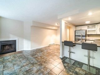 """Photo 4: 105 1922 W 7TH Avenue in Vancouver: Kitsilano Townhouse for sale in """"MAPLE GARDENS"""" (Vancouver West)  : MLS®# R2506845"""