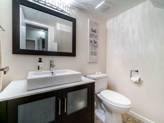 """Photo 15: 105 1922 W 7TH Avenue in Vancouver: Kitsilano Townhouse for sale in """"MAPLE GARDENS"""" (Vancouver West)  : MLS®# R2506845"""