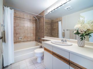 """Photo 11: 105 1922 W 7TH Avenue in Vancouver: Kitsilano Townhouse for sale in """"MAPLE GARDENS"""" (Vancouver West)  : MLS®# R2506845"""