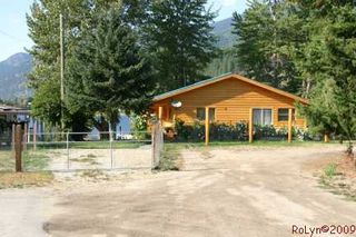 Photo 4: #2; 8758 Holding Road in Adams Lake: Waterfront with home House for sale : MLS®# 110447