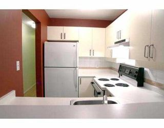 Photo 2: 935 W 15TH Ave in Vancouver: Fairview VW Condo for sale (Vancouver West)  : MLS®# V635181