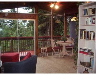 Photo 2: 7532 SECHELT INLET RD in Sechelt: House for sale : MLS®# V671946