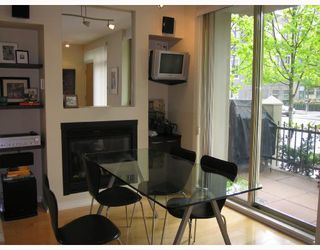 "Photo 4: TH17 969 RICHARDS Street in Vancouver: Downtown VW Townhouse for sale in ""MONDRIAN 2"" (Vancouver West)  : MLS®# V706935"