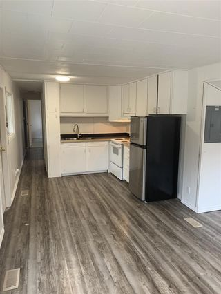 "Photo 2: 151 1413 SUNSHINE COAST Highway in Gibsons: Gibsons & Area Manufactured Home for sale in ""Poplar Estates"" (Sunshine Coast)  : MLS®# R2434428"