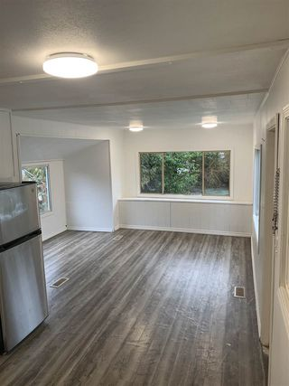 "Photo 3: 151 1413 SUNSHINE COAST Highway in Gibsons: Gibsons & Area Manufactured Home for sale in ""Poplar Estates"" (Sunshine Coast)  : MLS®# R2434428"