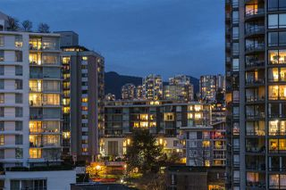 """Photo 10: 906 155 W 1ST Street in North Vancouver: Lower Lonsdale Condo for sale in """"Time"""" : MLS®# R2440353"""