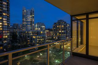 """Photo 7: 906 155 W 1ST Street in North Vancouver: Lower Lonsdale Condo for sale in """"Time"""" : MLS®# R2440353"""